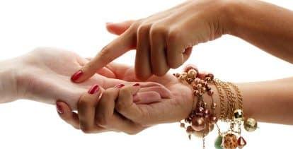 ¿Qué es la Quiromancia? Cómo leer la fortuna en las manos